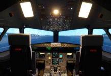 photo de la cabine d'un simulateur de vol